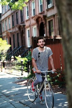 JUSTIN CHUNG PHOTOGRAPHY ALEX RESTIVO STRIPE STRIPED TEE TSHIRT ROUND SUNGLASSES DENIM JEANS RED VANS SNEAKERS BIKE BICYCLE NYC MENS STREET STYLE FASHION BLOG