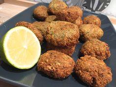 A force d'aller manger à resto Libanais je commence à avoir du palais pour les Mezzés Lol. Les falafels… il y'a pleins de recettes (même ici) mais ce ne sont pas de VRAIS Falafels…