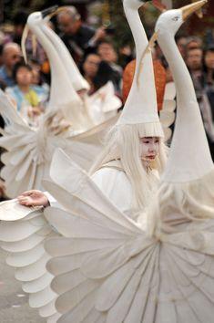 Asakusa Sagimai – Egret Dancers « Tokyobling's Blog [nb also, I would like to be an egret dancer]
