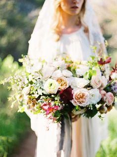 Photography: Donny Zavala - www.donnyzavalaphotography.com Wedding Dress: Shopgossamer - http://www.shopgossamer.com Floral Design: Catalina Neal - http://www.catalinaneal.com   Read More on SMP: http://www.stylemepretty.com/2016/05/19/sunlit-malibu-hills-bride/