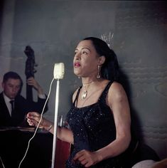 Lady Day: The photographs by Jean-Pierre Leloir convey the French love of jazz and of its heroes. Billie Holiday, Jazz Artists, Jazz Musicians, Louis Armstrong, Lady Sings The Blues, Vintage Black Glamour, Black Celebrities, Jazz Blues, Blues Music