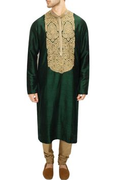 LAIDBACK LUXURY : Green and gold aari and zardosi embroidery kurta set by Sabyasachi. Shop now at www.perniaspopups... #fashion #designer #sabyasachi #shopping #couture #shopnow #perniaspopupshop #happyshopping
