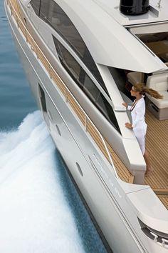 External view Pershing Yacht - Pershing 64 #yacht #luxury #ferretti #pershing