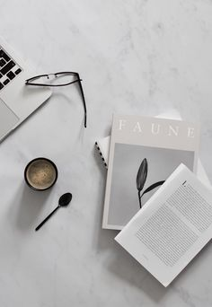 Earthy new-season inspiration from Zara Home Coffee Break, My Coffee, Moving Furniture, Exterior Cladding, Fourth Wall, Walk In Wardrobe, Relaxing Music, Organic Shapes, Zara Home