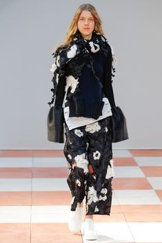 http://www.style.com/slideshows/fashion-shows/fall-2015-ready-to-wear/celine/collection/4