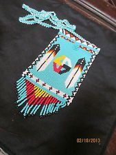 Native American Design, American Indian Art, Native American Fashion, Bead Loom Patterns, Beading Patterns, Indian Arts And Crafts, Medicine Wheel, Native Beadwork, Beaded Purses