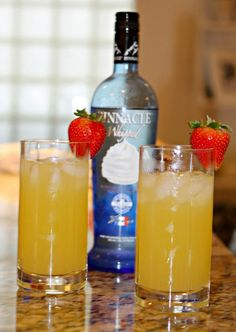 Hate to overuse the word obsessed, but this drink calls for it. Get ready: make plans to create this super simple drink and then have the best time sipping. #pinnaclevodka