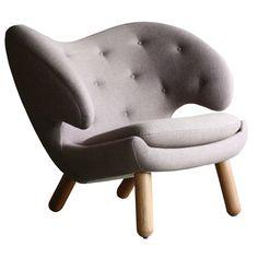Pelican (FJ4001) armchair by Finn Juhl
