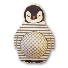 Entspannt einschlafen mit angenehmem, gedimmtem Licht. Mit der Kinderlampe Pinguin - aus Holz und Bio-Plastik. Made in Germany.