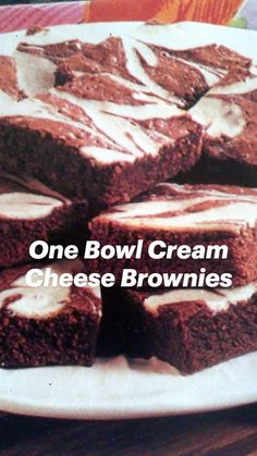 Baking Recipes, Snack Recipes, Dessert Recipes, Baking Ideas, Cosmic Brownies, Cream Cheese Brownies, Crunch Cake, Brownie Desserts, Sweet Treats