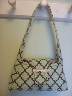 little girl purse tutorial, enlarge pattern 200% for adult size.