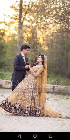 Bride And groom Mehndi Dress, Pakistani Bridal Wear, Bridal Photography, Wedding Wear, Girl Pictures, Bridal Dresses, Sequin Skirt, Anarkali, Couples