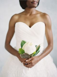 Unconventional and affordable bouquets for the modern bride - Wedding Party - A Single Magnolia #favorite