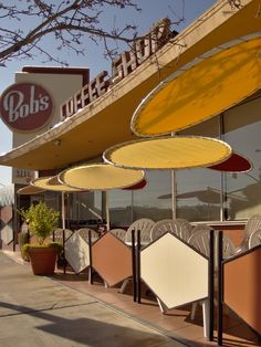 Googie architecture - Bob's Coffee Shop