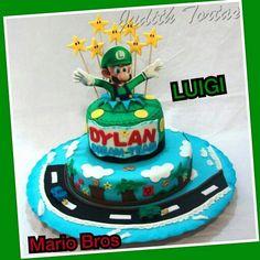 Torta decorada con fondant. Luigi