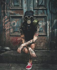 More at Mike Vands 😈 Gas Mask Art, Masks Art, Gas Masks, Urban Photography, Creative Photography, Body Art Tattoos, Girl Tattoos, Image Nice, Fille Gangsta