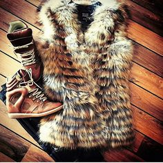 Great picture from @nataliafasko of her brandnew #WeLoveFurs #furvest Photo taken by @welovefurs_com on Instagram