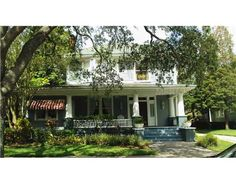 TAMPA, FLORIDA 33606      Price: $ 950,000    4 Bedrooms, 3 Bathrooms  2 Partial Baths  3461 Square Ft.