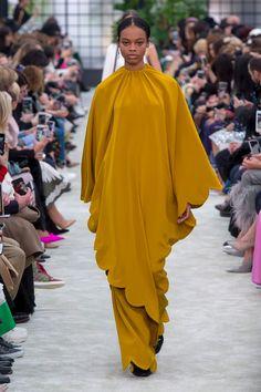 Valentino | Ready-to-Wear - Autumn 2018 | Look 7