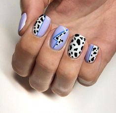 Bueno   Instantáneas  clavos tattoo traditional  Consejos,  #Bueno #clavos #clavostattootraditional #Consejos #Instantáneas #tattoo #traditional, #nail make-up nailart #sally hansen chrome nail make-up #nails inc nail make-up #ma... #chrome Hace algunos años no nos hubiéramos imaginado que habría más p una expo de tatuajes durante manhunter CDMX ymca es que estos grabados durante la piel eran c... Cow Nails, Aycrlic Nails, Swag Nails, Hair And Nails, Nails Inc, Grunge Nails, Bling Nails, Nail Design Stiletto, Nail Design Glitter