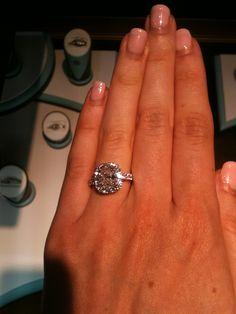 amazing sparkle. homegirl needs a mani though  ;)