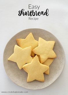 I lose count of the number of times I make this easy Thermomix Shortbread recipe in the lead up to Christmas! Don't worry if you don't have a Thermomix! You can find the conventional instructions Shortbread Biscuits, Shortbread Recipes, Cookie Recipes, 3 Ingredient Shortbread Cookie Recipe, Baking Recipes, Vanilla Biscuits, Christmas Cooking, Christmas Recipes, Christmas Ideas