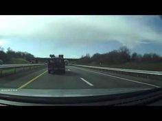 Un idiota al volante de un Camaro, accidente asegurado - Divertidos