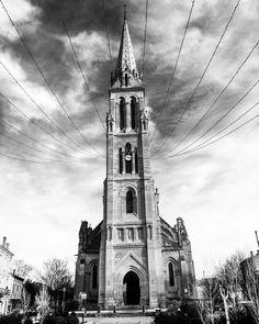 #church #eglise #bergerac #dordogne #christmas #noel #blackandwhite #noiretblanc #travel #travelgram #voyage #picoftheday #photooftheday #photodujour @villedebergerac Travel Pictures, Around The Worlds, France, Culture, Building, Instagram Posts, Christmas, Black N White, Travel