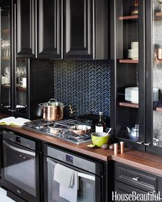 2014 Kitchen of the Year - Kitchen of the Year Steven Miller - House Beautiful Black Kitchen Cabinets, Black Kitchens, Cool Kitchens, Kitchen Black, Wall Cabinets, Kitchen Cabinetry, Painting Cabinets, White Cabinets, Cupboards
