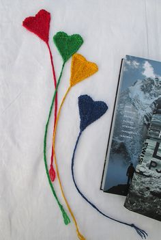 Book Lover Valentine – a cute little knitting project that would make a great gift for Valentine's Day. Or any day, really! By Anita Grahn. Instructions available in English and Swedish.