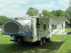 2009 Aerolite Cub 195 uktra-lite travel trailer with 2 pop-outs...SOLD! 502-645-3124 www.HelpSellMyRV.com Louisville Kentucky