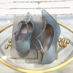 Emmy is a collection of beautifully designed, feminine, delicate wedding shoes that reflect up-to-date trends in both weddings and fashion.