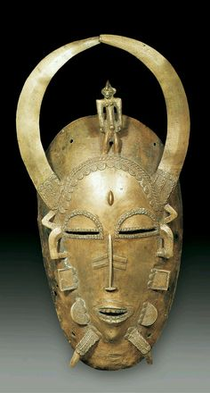 Africa | Mask from the Senufo people of Ivory Coast | Copper alloy | ca. end 19th to early 20th century