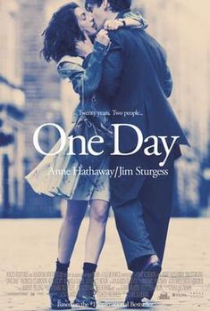 One Day on DVD November 2011 starring Anne Hathaway, Jim Sturgess, Romola Garai, Jamie Sives. Dexter (Jim Sturgess) and Emma (Anne Hathaway) meet for the first time during their graduation and proceed to meet one day a year for the ne Anne Hathaway, Beau Film, Movies And Series, Movies And Tv Shows, Great Movies, Great Books, Movies Free, One Day David Nicholls, Romance Books