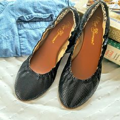MATT BERNSON ballet flats NIB Black snakeskin leather upper with elasticized fit and comfy cushioned footbed. Three gold toned studs at the heel. Rubber sole. Super chic! These are size 7 but run a half size small.  Great for narrow sz 7, or 6.5. Matt Bernson Shoes Flats & Loafers