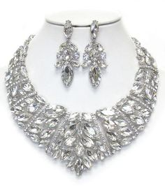 Luxury class victorian style austrian crystal and glass chunky party necklace set   Size: L 18 inches extend *Our products are generally made of metal alloy (silver and copper and other metal alloy) with high quality plating(It will last for a long ...