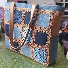 Blue and brown crochet tote bag taschen Crochet Tote, Crochet Handbags, Crochet Purses, Knit Crochet, Diy Sac, Denim Crafts, Patchwork Bags, Denim Bag, Knitted Bags