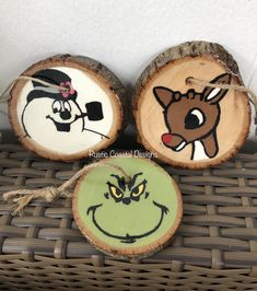 New Painting Christmas Ornaments Grinch Ideas Painting Happy New Year Grinch Ornaments, Painted Christmas Ornaments, Hand Painted Ornaments, Wooden Ornaments, Christmas Wood, Christmas Crafts, Christmas Decorations, Christmas Fair Ideas, Beach Christmas