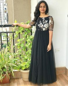 Indian Bridesmaid Dresses, Indian Gowns Dresses, Indian Fashion Dresses, Long Gown Dress, Frock Dress, Stylish Dresses For Girls, Wedding Dresses For Girls, Designer Anarkali Dresses, Designer Dresses