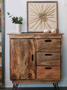 Le mariage parfait entre le moderne et le rustique // Modern meets rustic in perfect harmony #Buffet #Console #Deco #Rustique #Rustic #Wood #Bois
