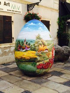 Huevo de Pascua en la calle Pavla Radica en Zagreb