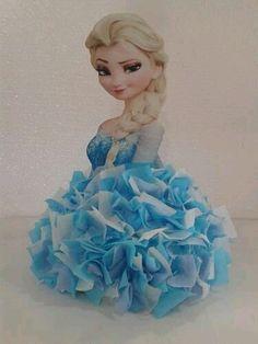 Ya sea una sencilla fiesta infantil o un evento especial, puedes usar pompones de papel de seda (papel tissue, papel de china) para decora...