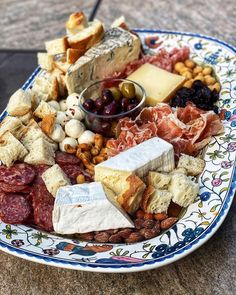 """Williams Sonoma on Instagram: """"The perfect lazy weekend meal. 🧀🍷 @charlotte_fashion_plate assembled her cheese and charcuterie on our Provence Hand Painted Serving…"""" Cheese Platters, Food Platters, Serving Platters, Cheese Table, Meat And Cheese, Charcuterie Board, Appetizer Recipes, Appetizers, Fall Recipes"""