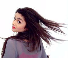 The Best Bollywod Gifs : Alia Bhatt Hot Photos Beautiful Bollywood Actress, Beautiful Actresses, Varun Dhawan Birthday, Alia Bhatt Photoshoot, Alia Bhatt Cute, Alia And Varun, Girls Dpz, Celebs, Celebrities
