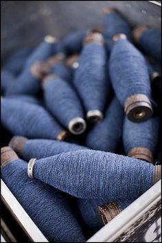 indigo spooled yarn - just simply beautiful all by itself Azul Indigo, Mood Indigo, Indigo Blue, Fil Bleu, Blue Green, Blue And White, Navy Blue, Brooklyn Tweed, Himmelblau