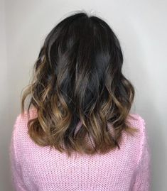 20 Remarkable Dark Ombre Hair Color Ideas for 2019 Dark Ombre Hair, Brown To Blonde Ombre, Red Ombre, Ombre Hair Color, Dark Hair, Blonde Ends, Ashy Blonde, Really Curly Hair, Balayage Technique
