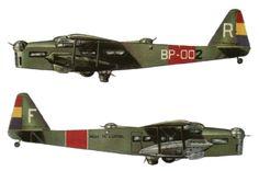 """Potez 54 con los códigos R (también codificado BP-002) y F """"Aquí te espero"""", de la Aviación republicana."""