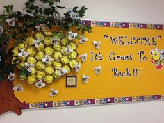 Bee hive bulletin board from a creative teacher at my school!