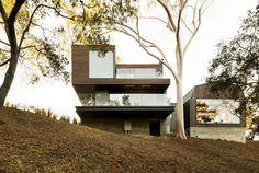 Modern Private Home: Oak Pass Guest House by Walker Workshop | DesignRulz