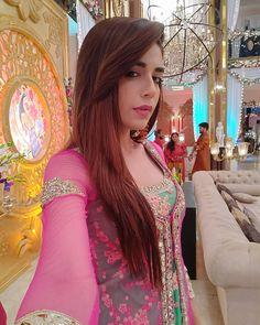 Anjum Fakih South Indian Actress Hot, Indian Tv Actress, Pakistani Actress, Indian Actresses, Indian Wedding Outfits, Cute Celebrities, Tv Actors, Girls Dpz, Indian Designer Wear